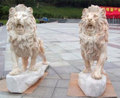 Каменные скульптуры в сад