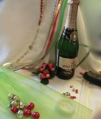 Новогодняя настольная елочка из шампанского