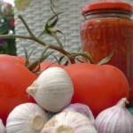 Аджика из помидор и чеснока -остро и вкусно!