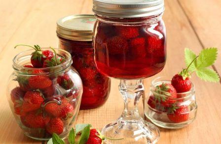 Клубничное варенье, с целыми ягодами